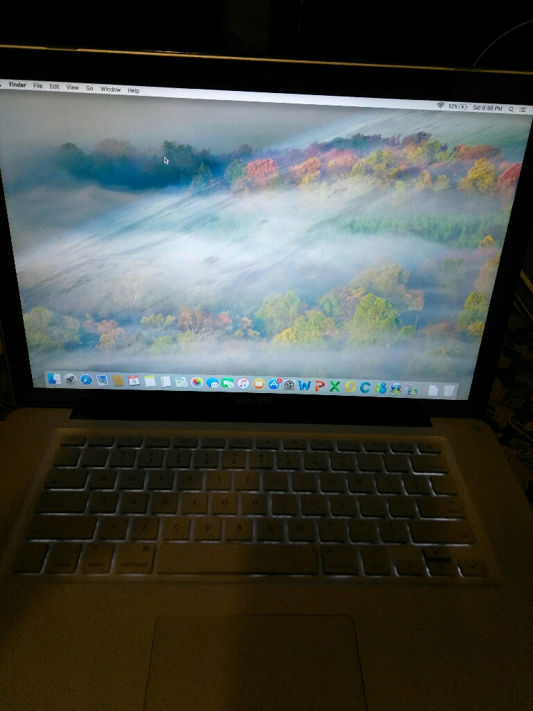 15.4 inches wide screen Apple MacBook Pro