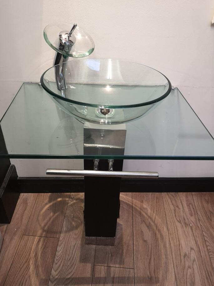Glass Basin on Pedestal