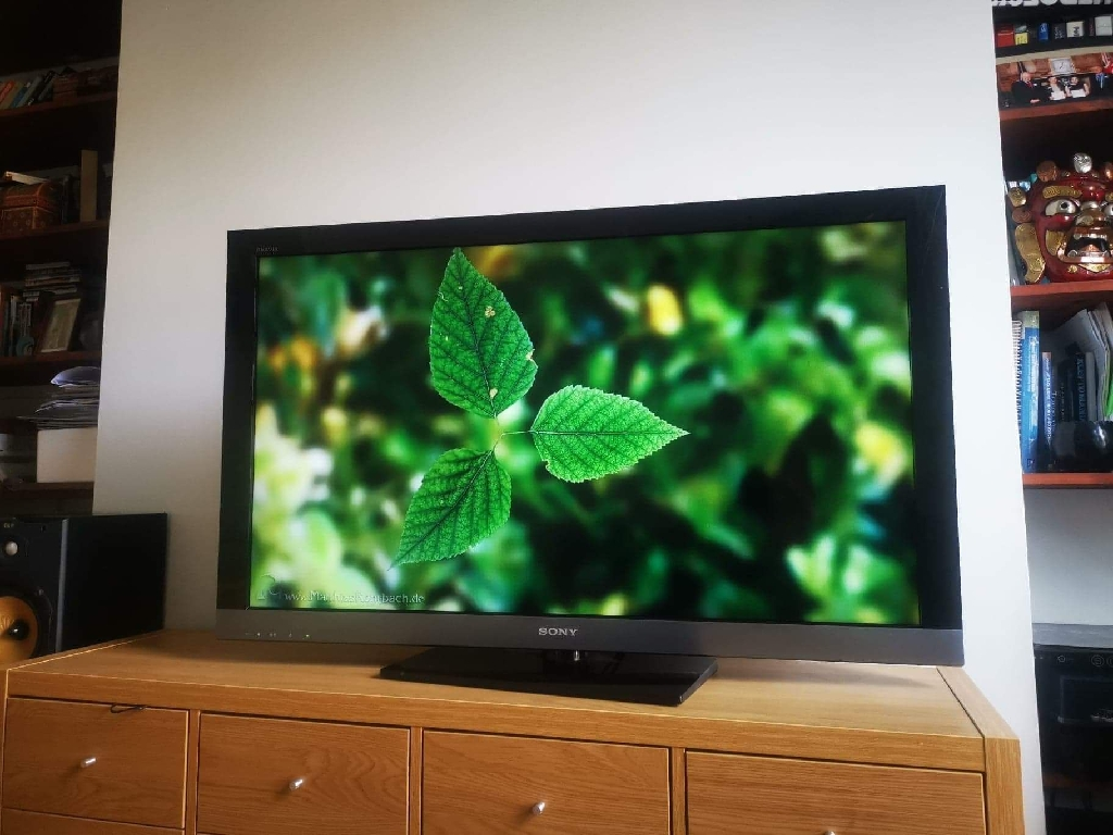 Sony Bravia 46'' LCD internet TV, 1080p, with  freeview