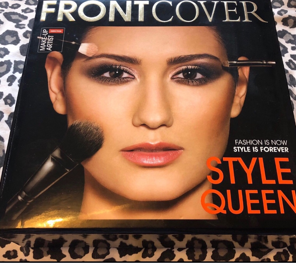 Front Cover Makeup Box Set with Brushes