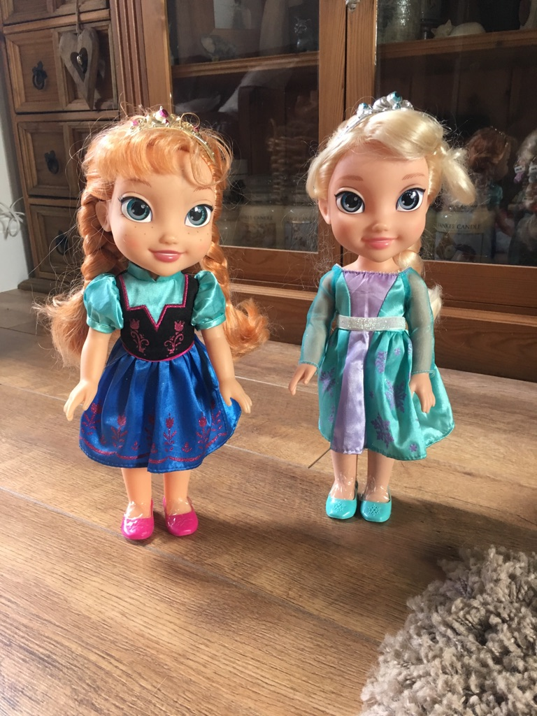 Frozen doll bundle