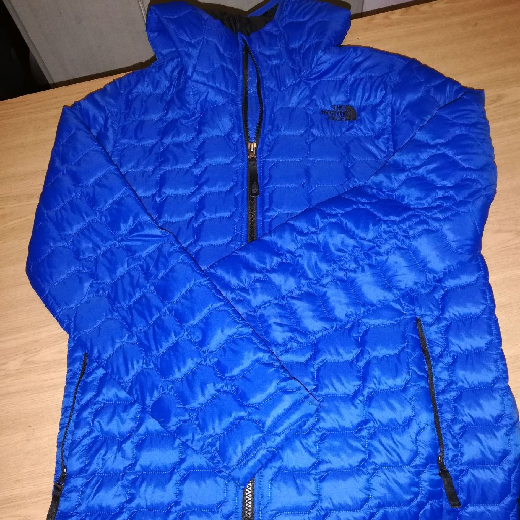 North Face puffer jacket boys xl