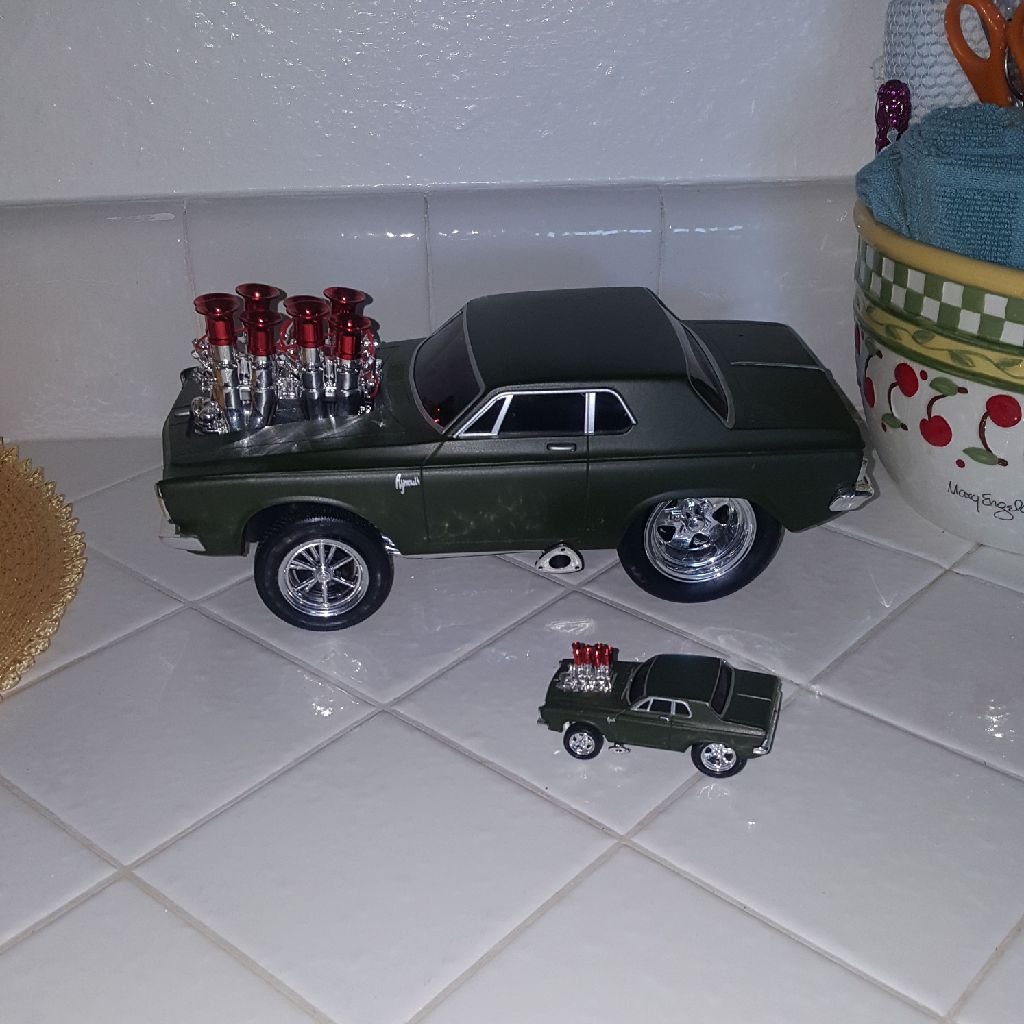 COLLECTOR'S MODEL PLYMOUTH SAVOY CARS