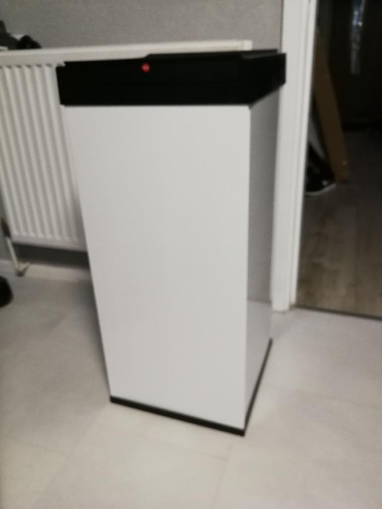 Brand new metal bin 80L
