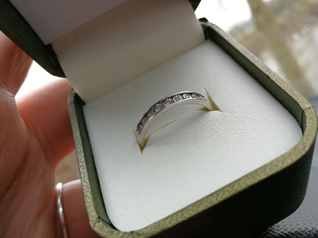 White gold and diamond ring size R used