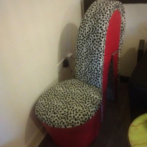 Stilletto chair