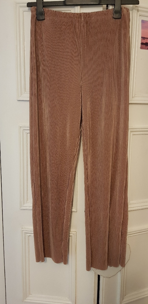 Pale pink pleated trousers size 12/14