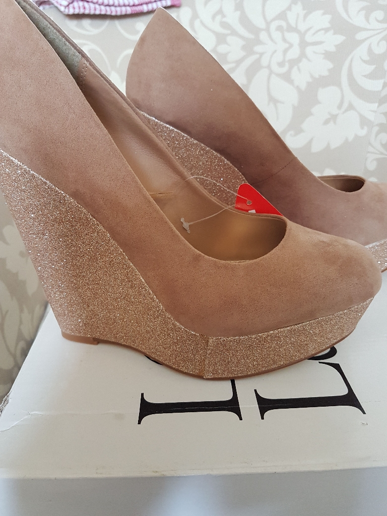 Electric fire never been used £80 shoes new size 7 £20