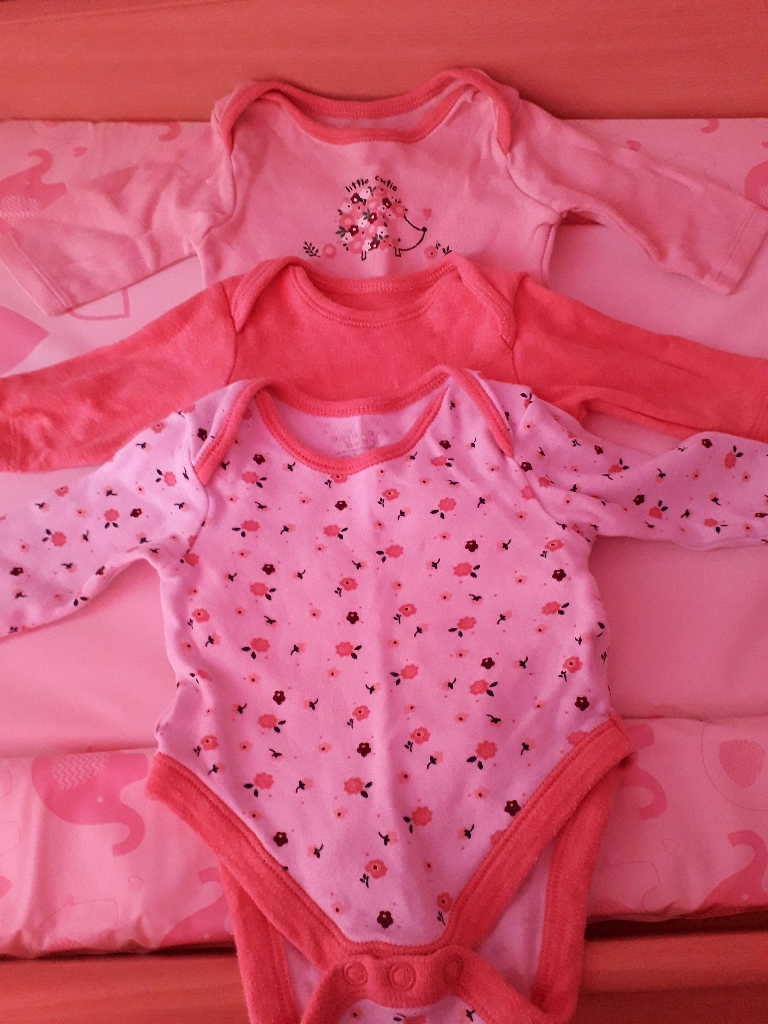 Baby girl cloths Newborn and 0-3