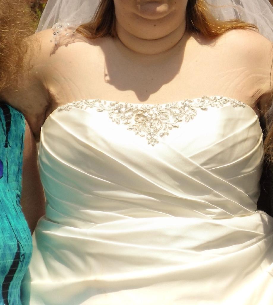 Wedding dress and viel