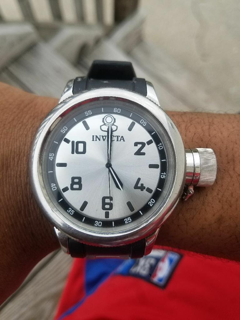 Black/Silver Mens Invicta watch