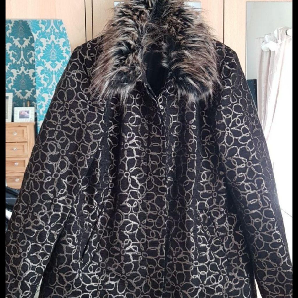 Designer Ladies Coat Size 14