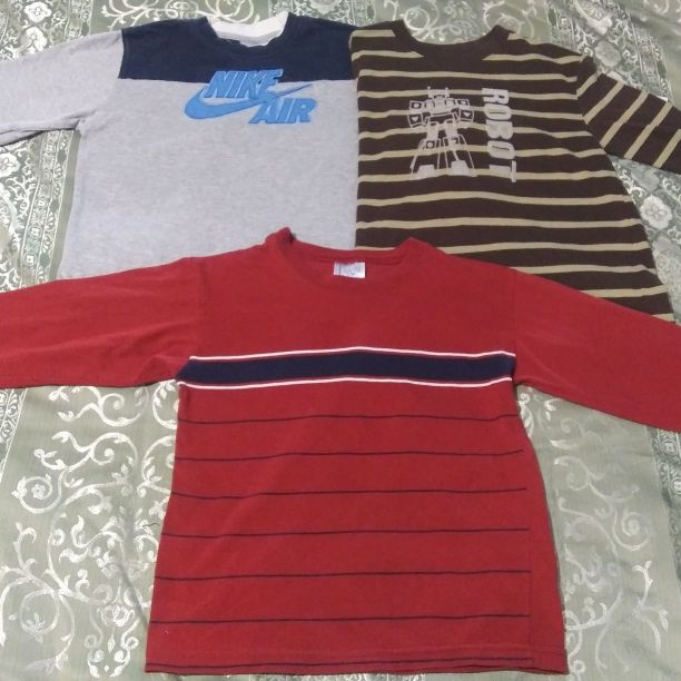 Boys size 6 long sleeves