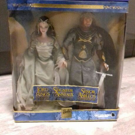 Barbie Collectors Edition The Lord of the Rings Aragorn and Arwen Dolls