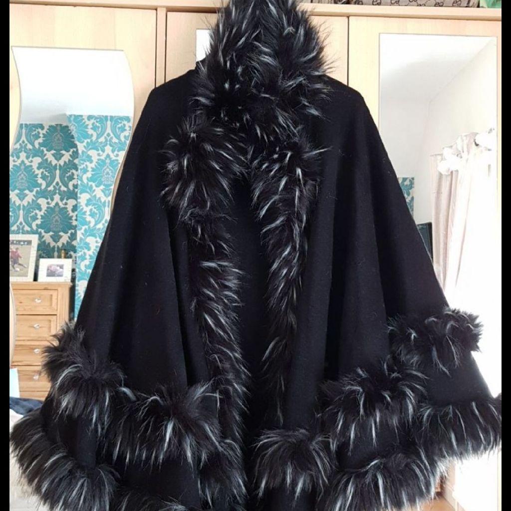 Designer Ladies Black Cape One Size