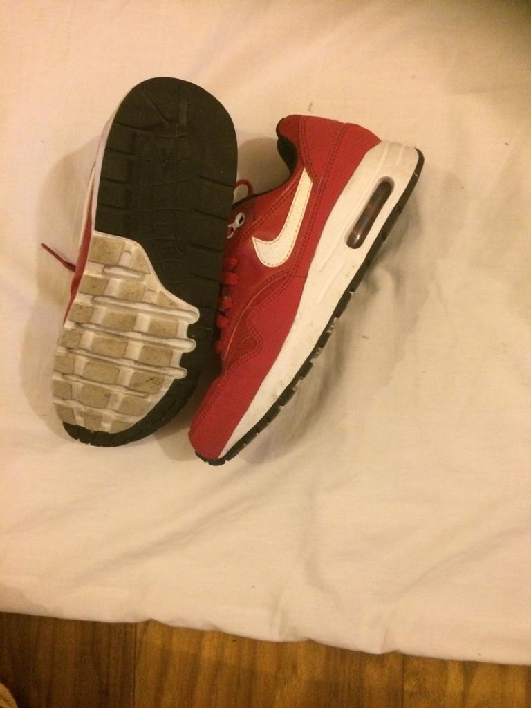 Kids Nike trainers 3.5 UK
