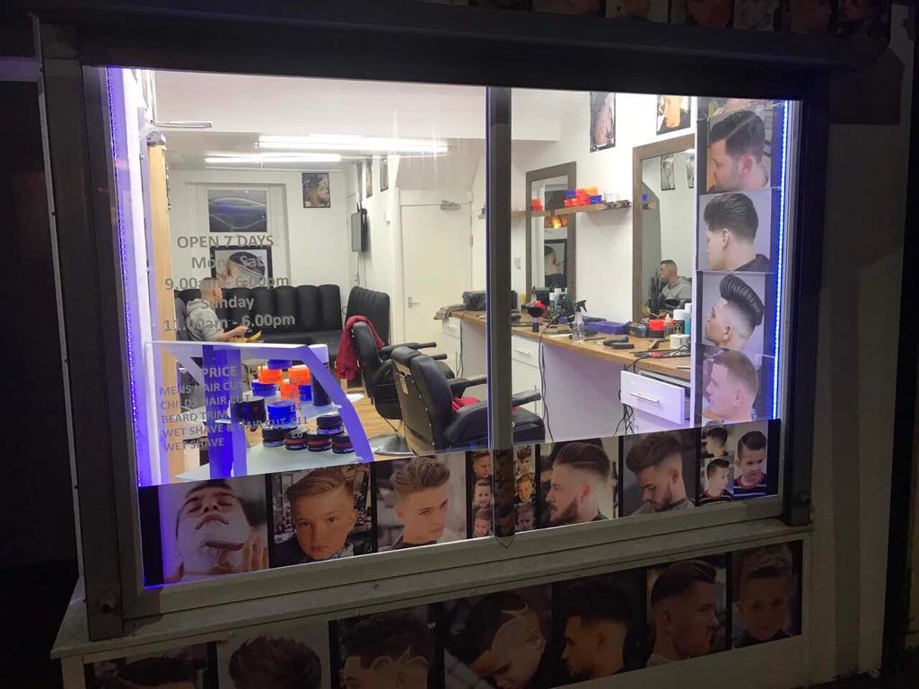 Business barber shop for sale !