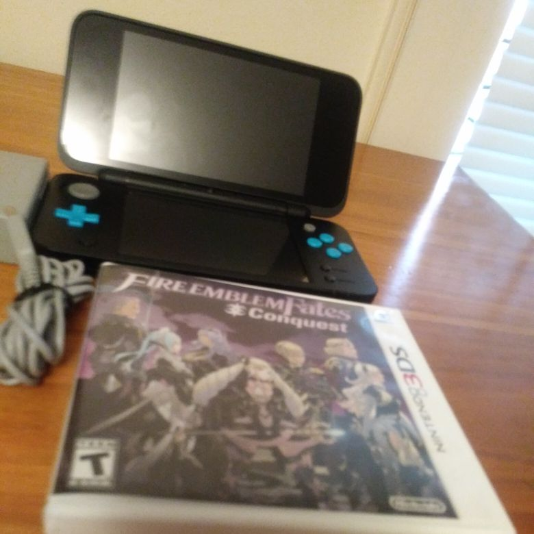 Nintendo DS XL with Fire Emblem Fates conquests