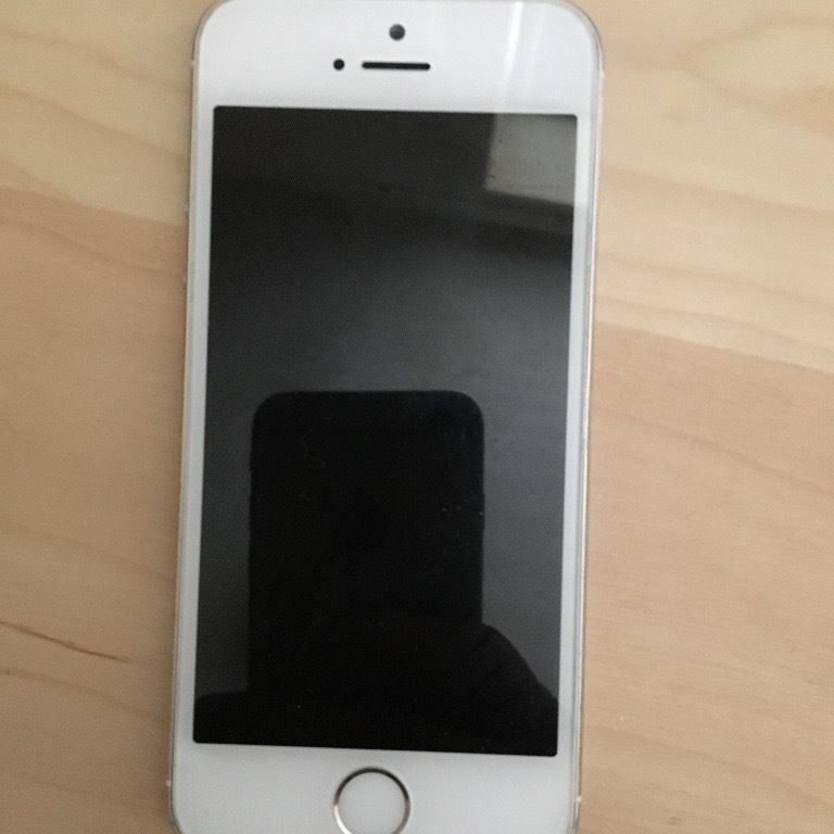 White iPhone 5s