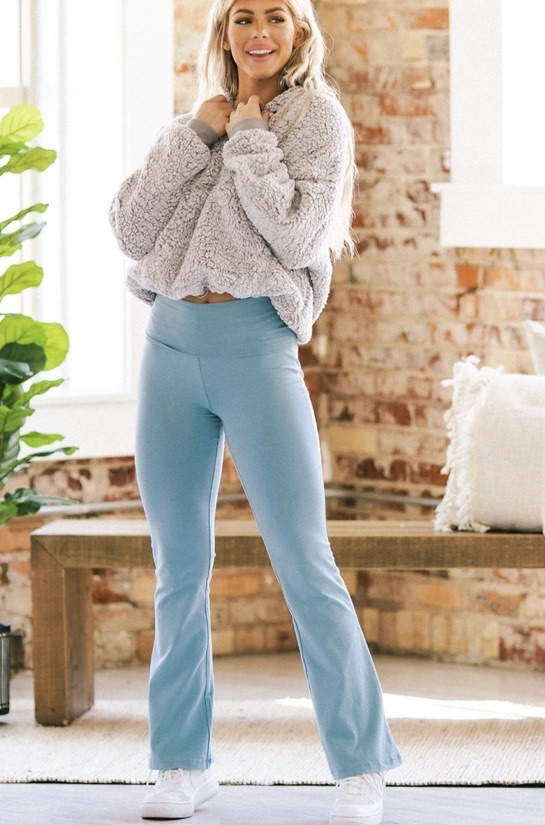 Yoga pants 20% off using my code below ⬇️
