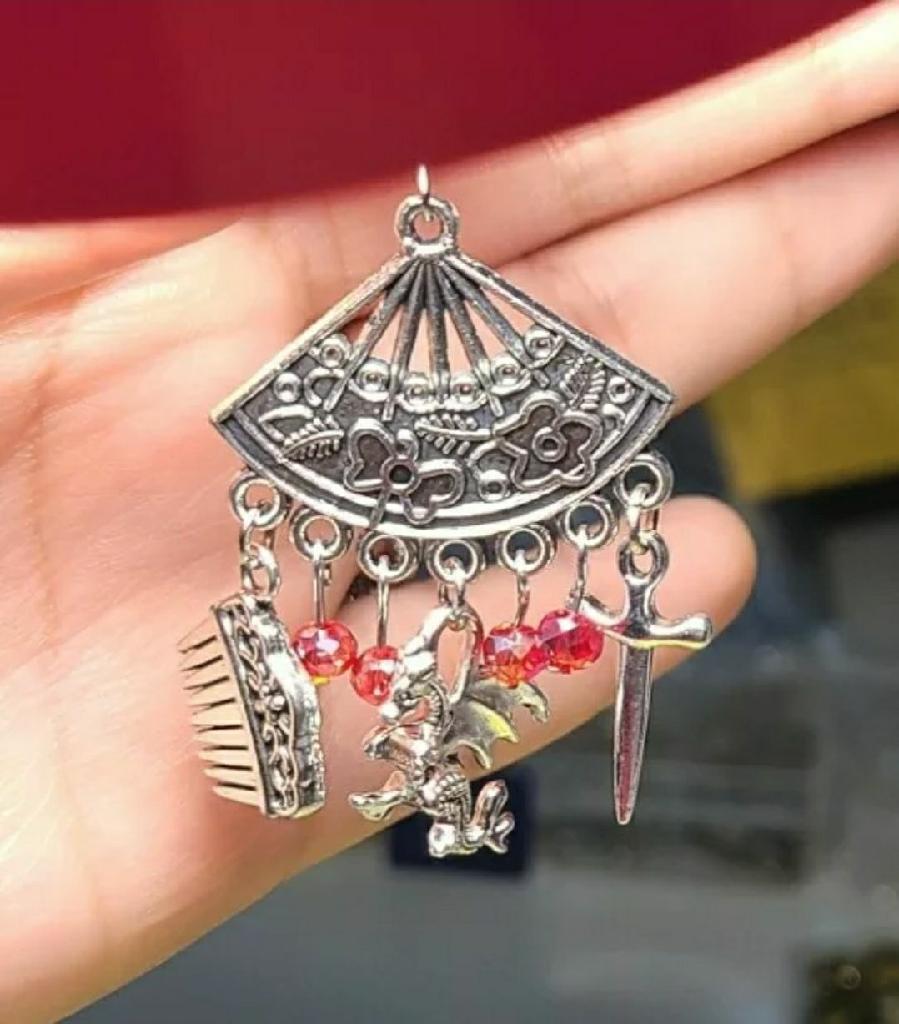 Mulan earrings mushu disney movie mom mother fan sword dragon comb