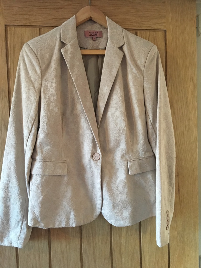 Ladies detailed blazer size 14 NEW