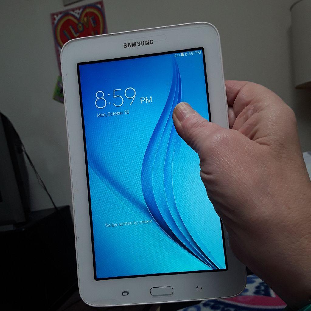 Samsung galaxy tab e lite tablet 8 gb of storage
