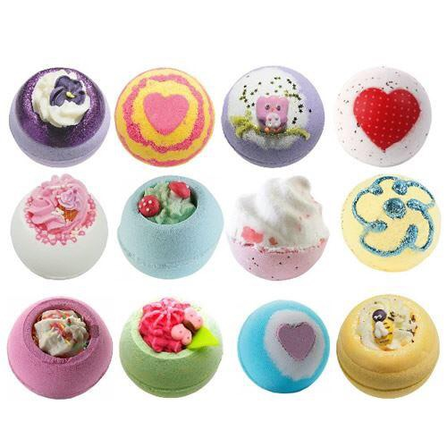 Pack of 12 bath bombs