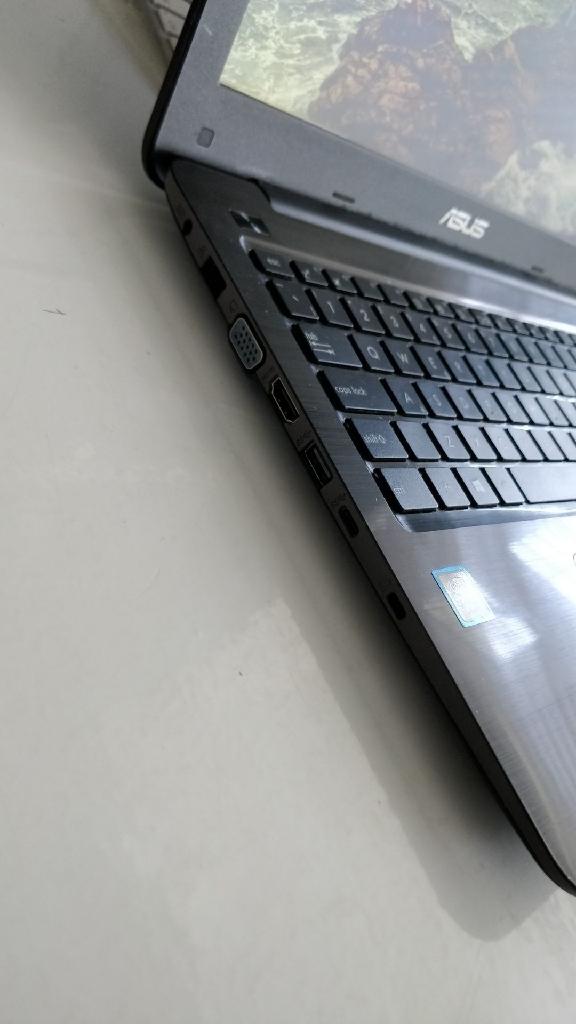 "15"" ASUS Vivobook Laptop *URGENT SELLING*"