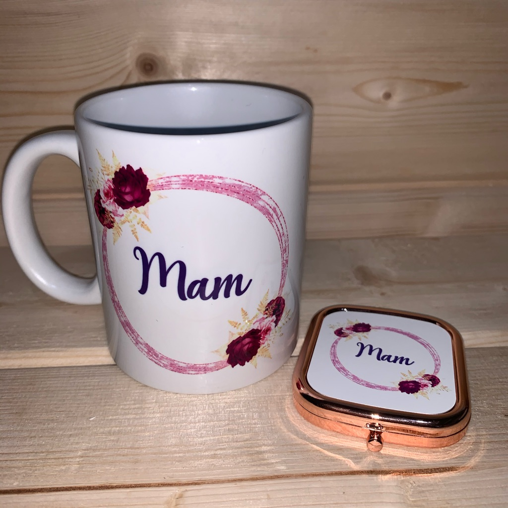 Mug and compact mirror set