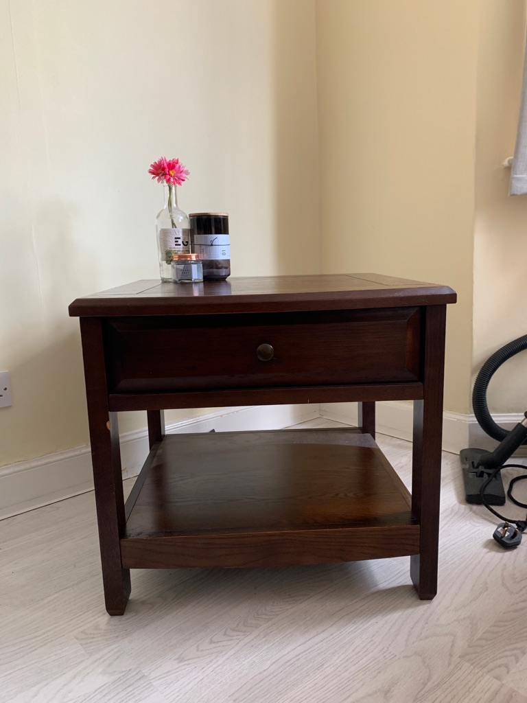 Bedside tables / side tables