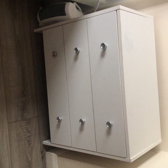 White chest of drawers small