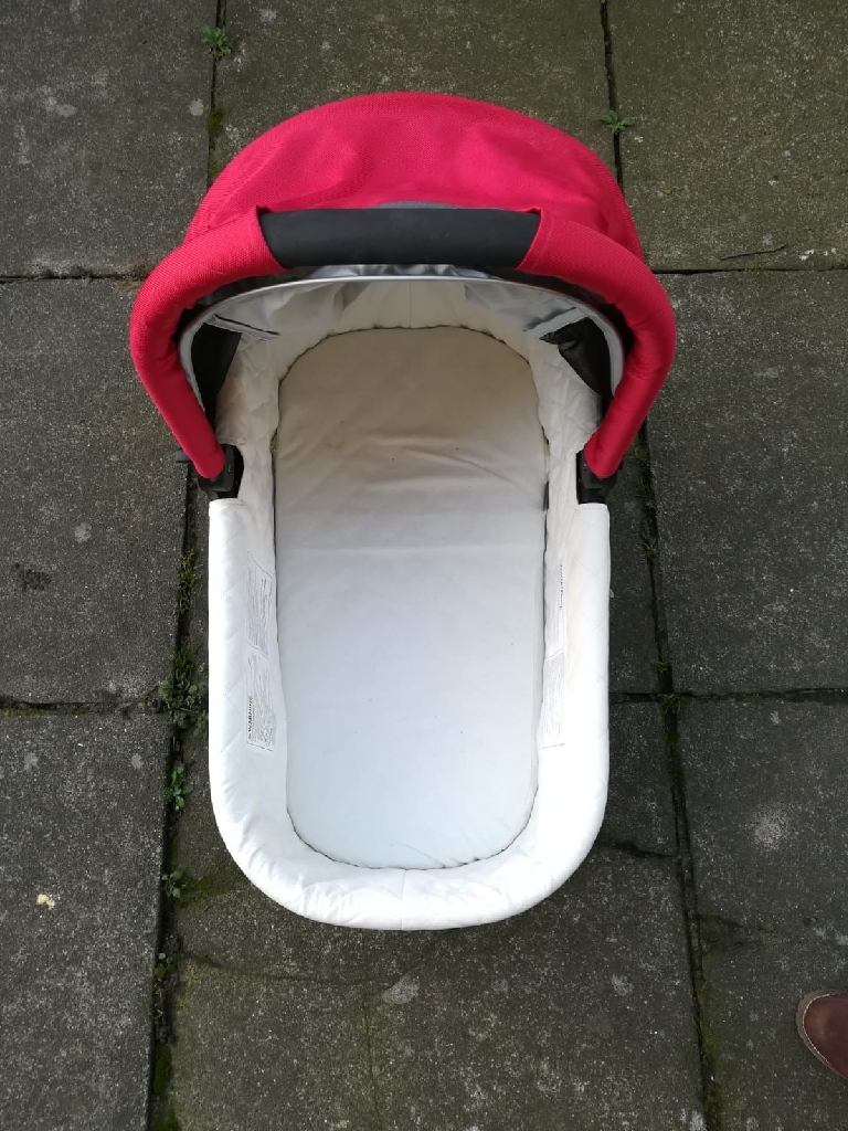 Carrycot Uppababy Red 2014 /2015