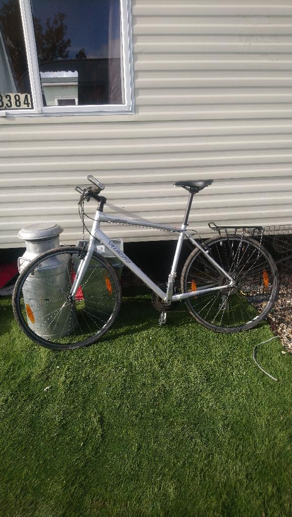 Sirrus specialized bike 8 speed