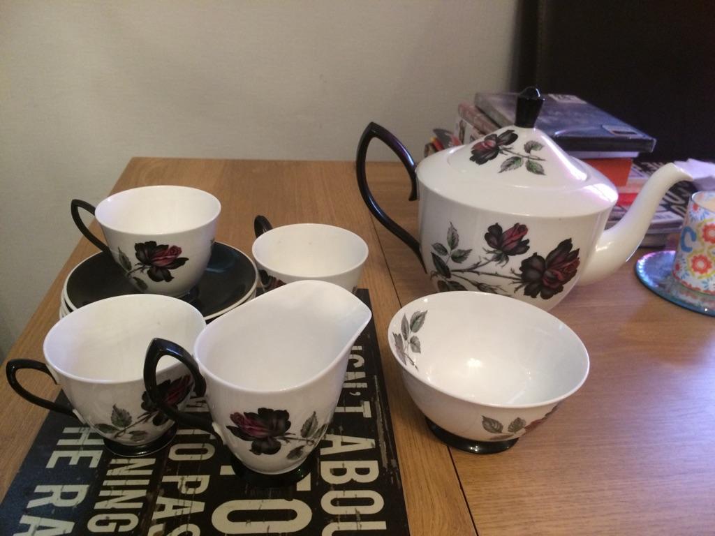 Masquerade Royal Albert vintage large tea pot sugar bowl and milk jug