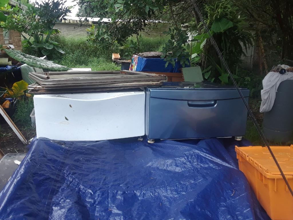 Washer and dryer pedistals