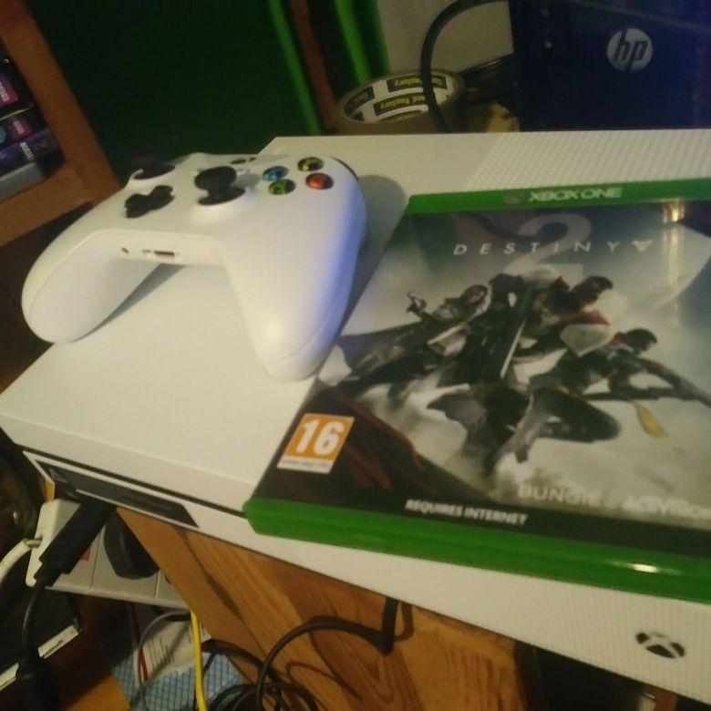 Xbox one S 1TB free game