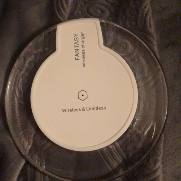 Verizon iPhone wireless charger