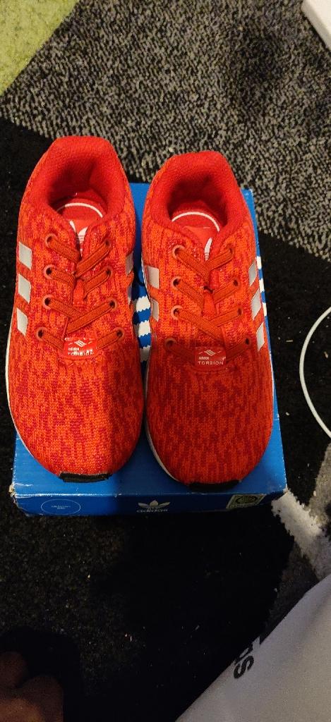 Brand New Adidas zx flux boys