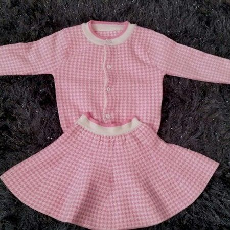 Age 6 pink checked wool set