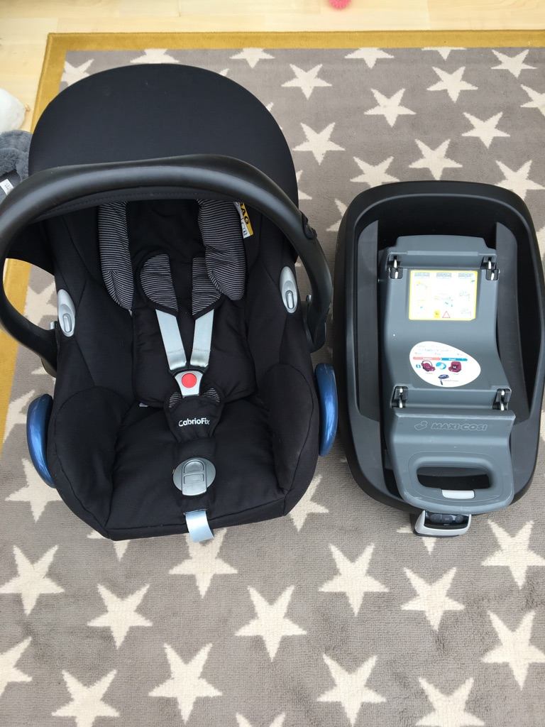 Maxi cosi cabriofix seat and isofix family fix base