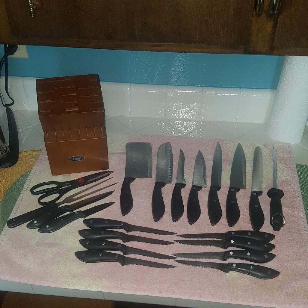(21) PEICE OSTER KNIFE SET