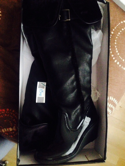 Posh wellies black size 6