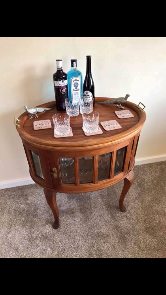 Drinks Cabinet with removable tray