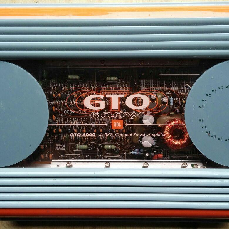 GT4000 600 watt amp