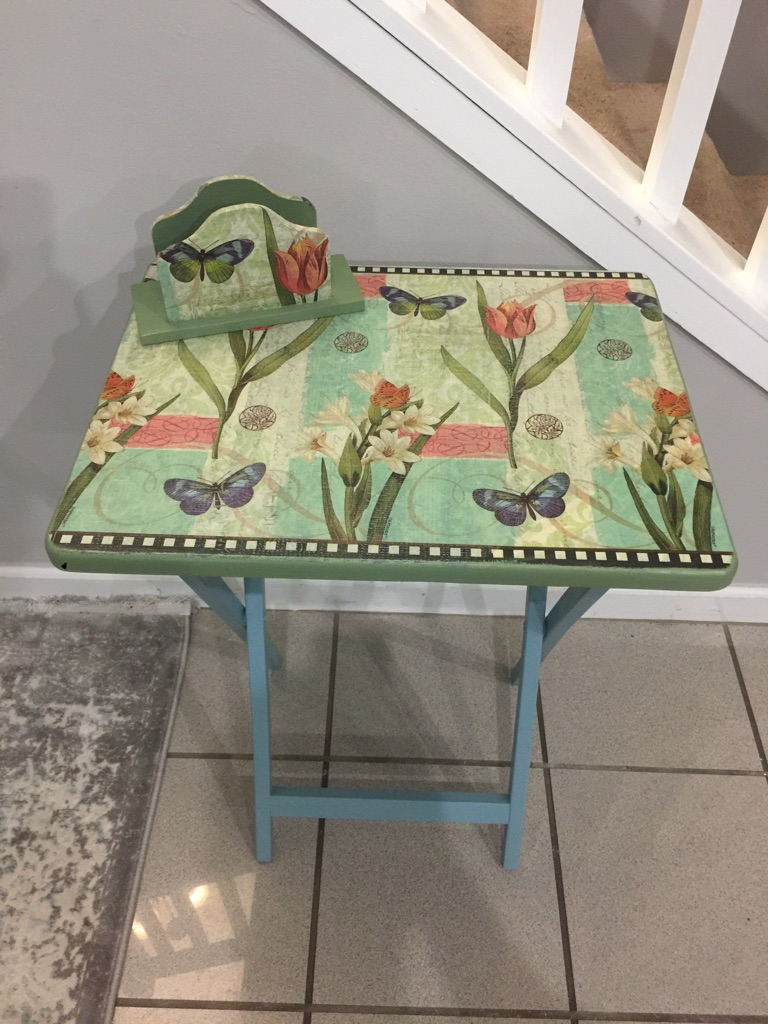 Set of vintage table and matching napkin holder