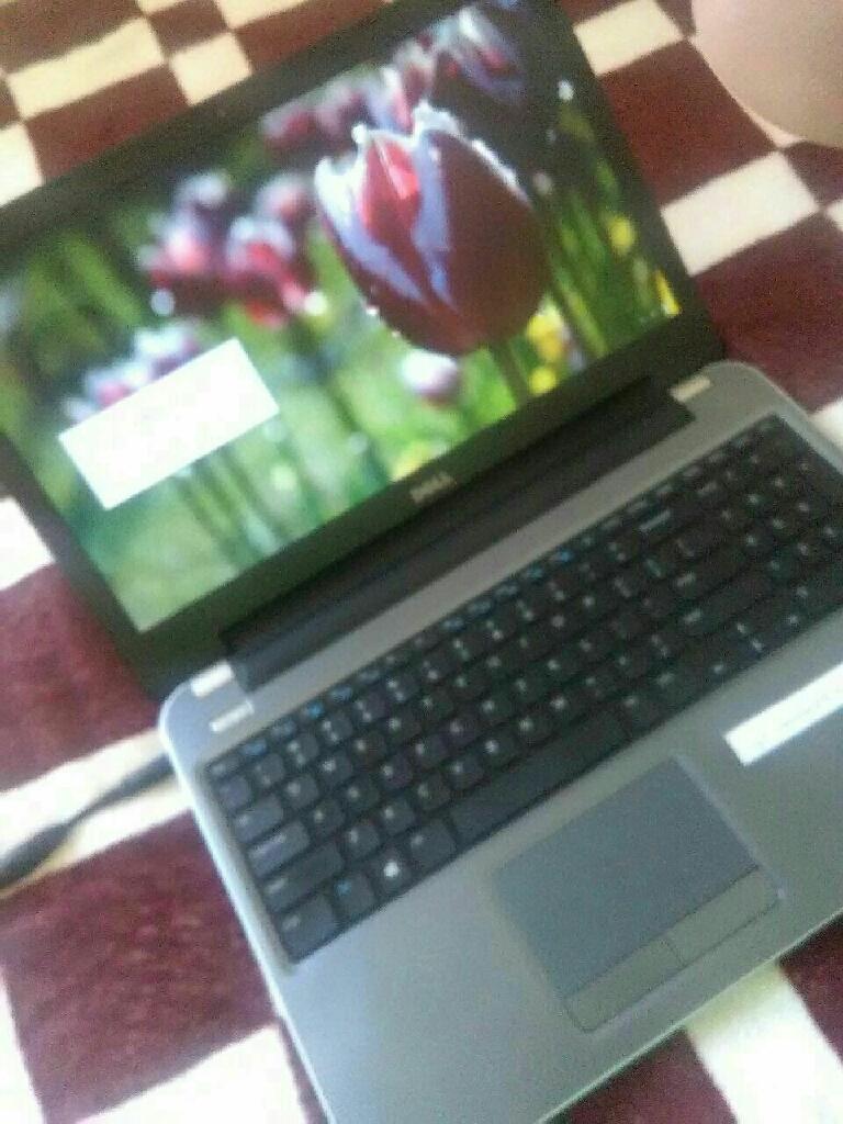 Laptop dell latitude.