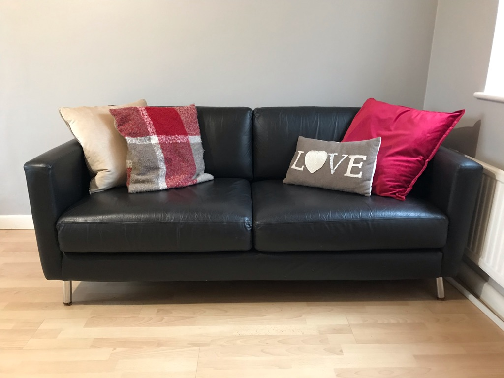Sofa, very good condition.