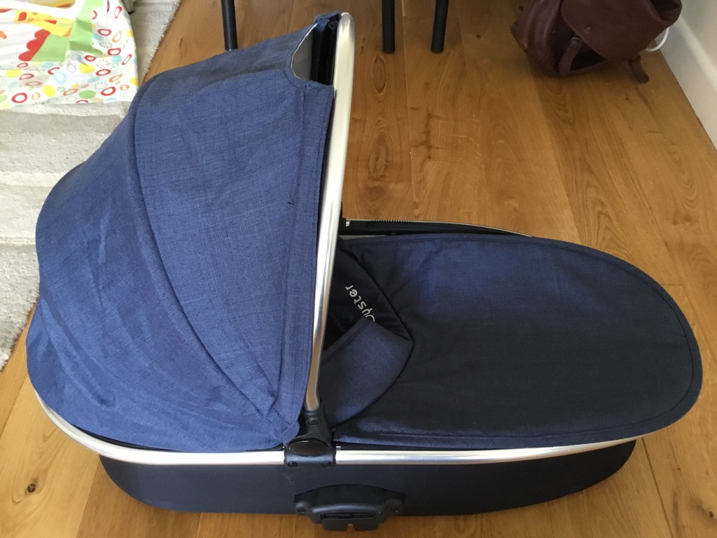 Blue oyster 2 carry cot