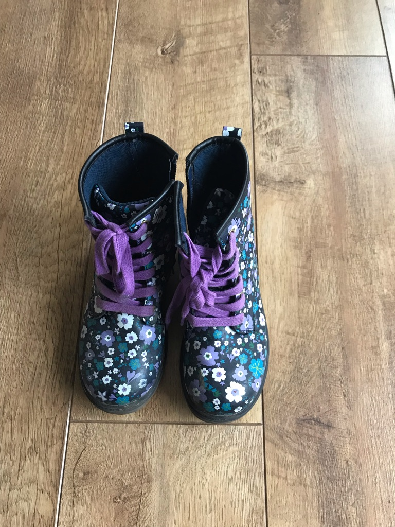 Girl's Flowery Boots